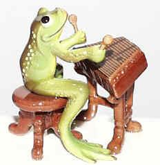 Porcelain Miniature: Dulcimer Frog