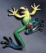 Kitty's Critters Wall Hanging Frog: Lucy & Lil' Ricky