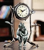 Cuddling Frogs Clock